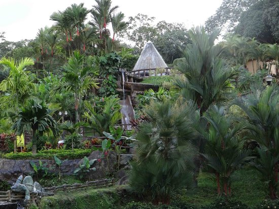 Los Lagos Hotel Spa & Resort : Vista jardines