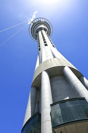 Rydges: El Sky Tower a una cuadra