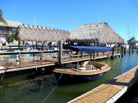 Cove Inn on Naples Bay: Chickadee Bar
