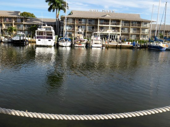 Cove Inn on Naples Bay: View of Cove Inn from the City Dock