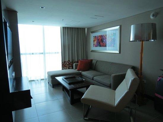 Hard Rock Hotel Panama Megapolis: suite muy espaciosa