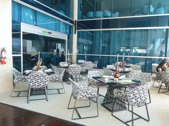 Hard Rock Hotel Panama Megapolis: Bar cerca de la piscina