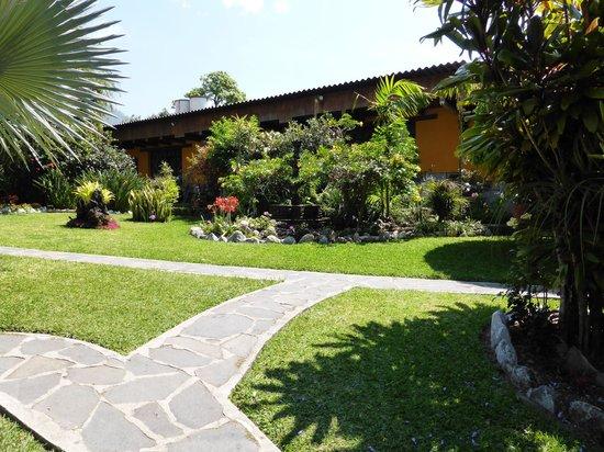 Hotel Cacique Inn: les jardins