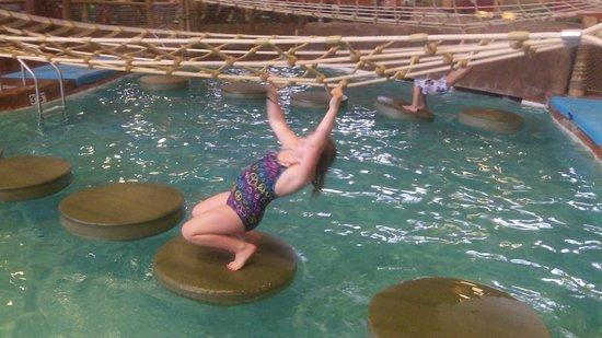 Kalahari Resorts & Conventions: indoor pool area