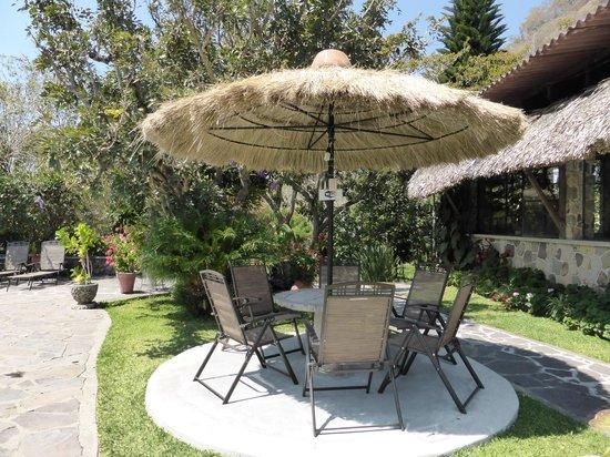Hotel Cacique Inn: jardin et espace repos