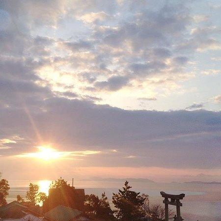 Ginpaso: 部屋から見た日の出