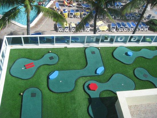Ocean Sky Hotel & Resort : mini golf