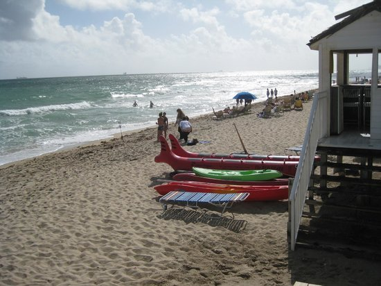 Ocean Sky Hotel & Resort : beach toys for rent