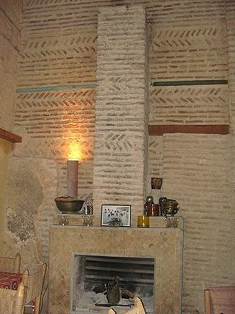 The Ruined Garden : The fireplace at one end of the indoor section.