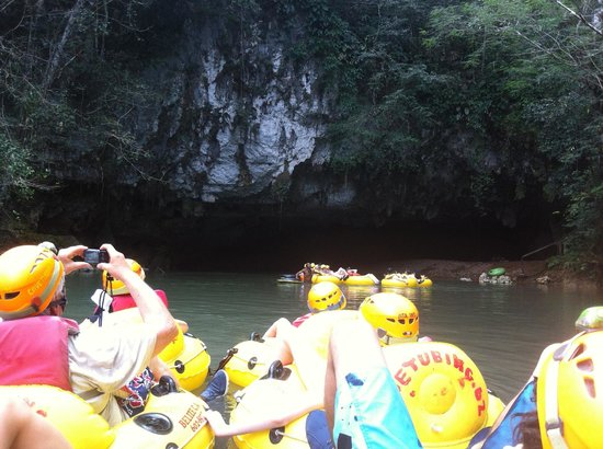 Cave Tubing.Bz: Cave tubing Belize