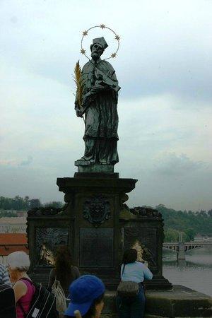 Most Karola (Karluv Most): Estatuas na Ponte Carlos.