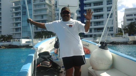 Manta Raya Divers: Boat captain Sammy