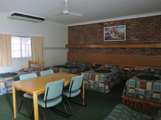 Landsborough Lodge Motel: Family Room