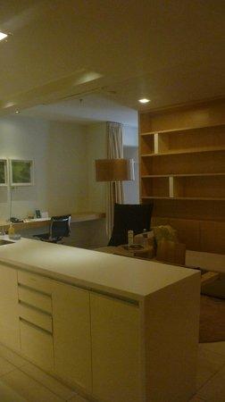 PARKROYAL Serviced Suites Kuala Lumpur: living space