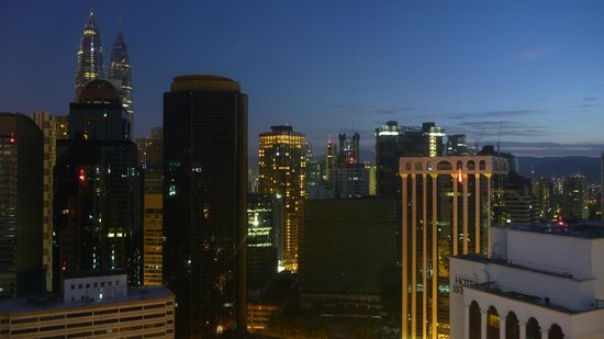 PARKROYAL Serviced Suites Kuala Lumpur: day break view from room