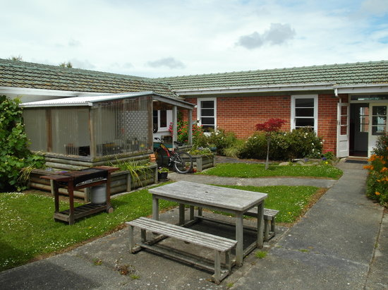 Thomas's Catlins Lodge And Camp Ground: Barbacue Area