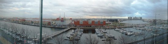 Novotel Le Havre Centre Gare : View from the Dock Facing Room