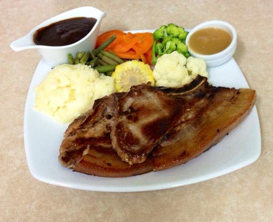 Landsborough Lodge Motel: Pork Chops
