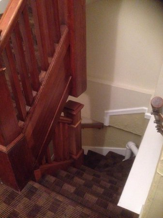 Hotel des Arts : Tight narrow stairs
