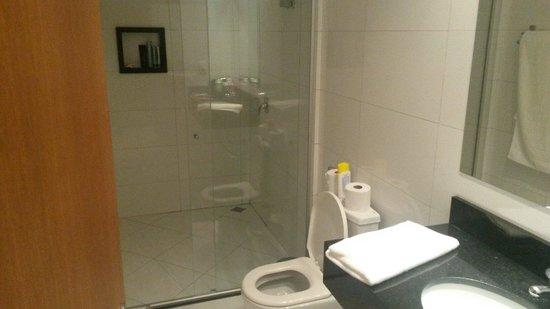 Catu Palace Hotel : Banheiro