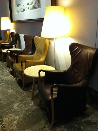 The Empire Hotel Wan Chai : waiting area