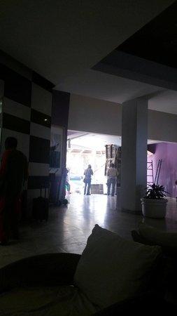 Oceano Palace: The lobby!