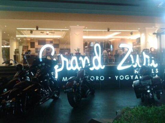 Grand zuri malioboro yogyakarta now 39 was 5 1 for Terrace yogyakarta