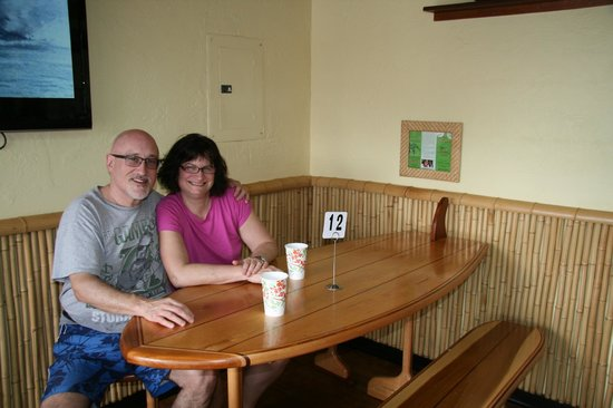 Coconut's Fish Cafe: Waiting for our meal …..the decor was really neat!