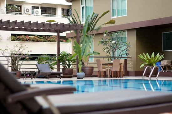 Dynasty Grande Hotel: Swimming pool