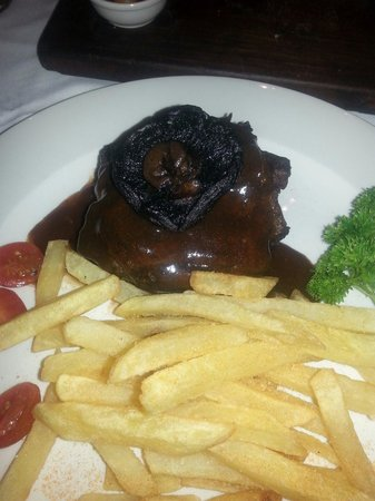 Rhapsody's: Rubbish Overdone, dry steak
