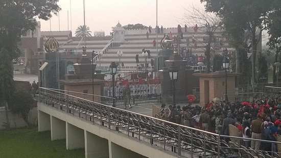 Wagah Border, After the retreat ceremony