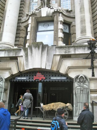 London Marriott Hotel County Hall : The London Dungeon, is pure fun