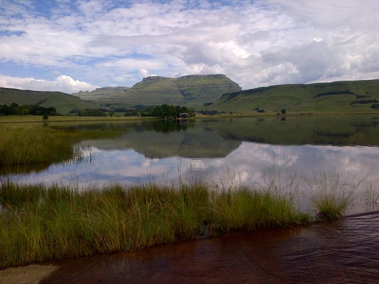 Sani Valley Lodge and Hotel : Mountain views