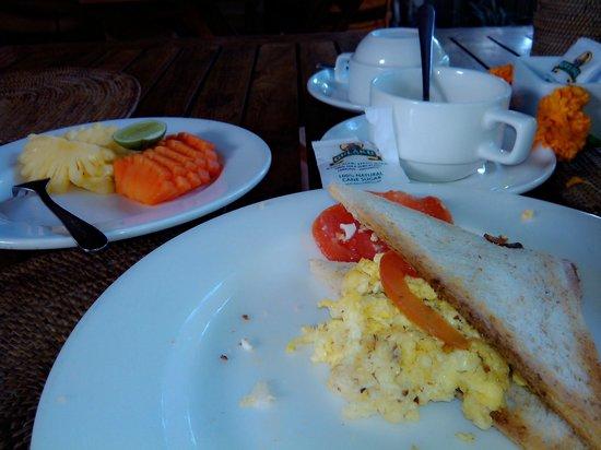 Jati Home Stay: fresh breakfast