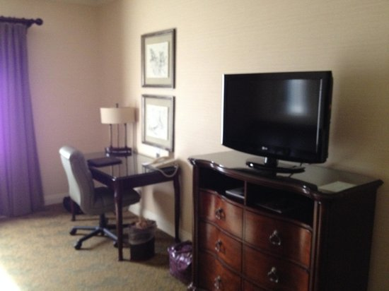 Ayres Hotel & Suites in Costa Mesa - Newport Beach: Room