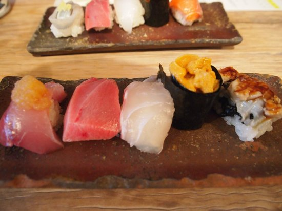 Endo Sushi Kyobashi : 5-pcs plate cost 1,050 yen