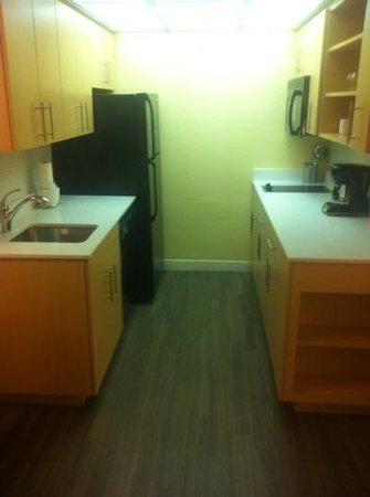 Sonesta ES Suites Orlando: kitchen