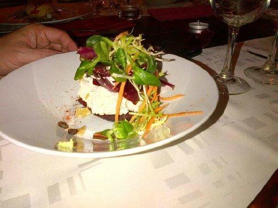 La table d'Owen : millefeuille de betterave (menu 19 euros)