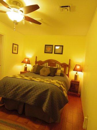 Sedona Bear Lodge: room