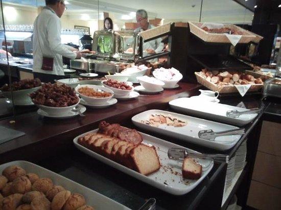 Rive Hotel : 朝食