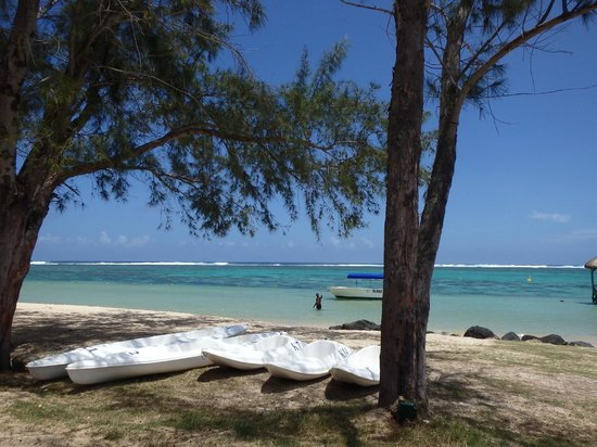 Outrigger Mauritius Beach Resort : water sports