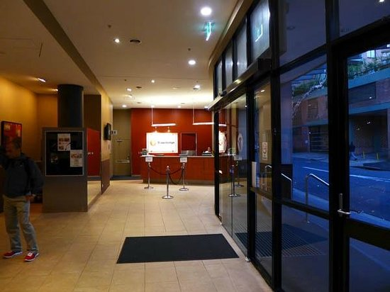 Travelodge Hotel Sydney : Entrance/Reception