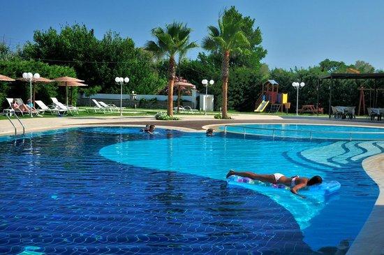 Afandou Bay Resort Suites: swimming pool