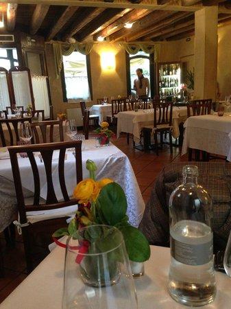 Antico Morer : Il tavolo e la sala