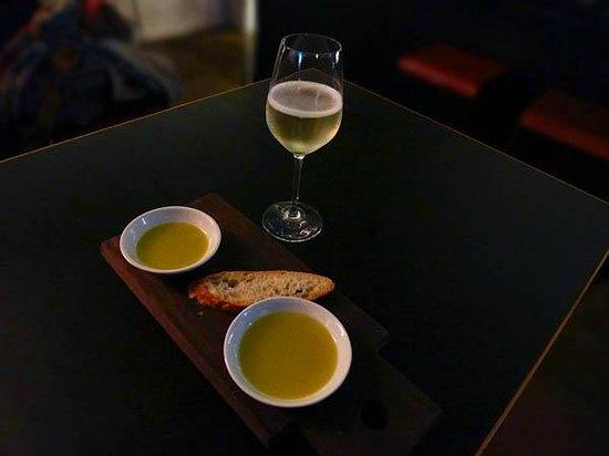Berta: Tasting olive oil