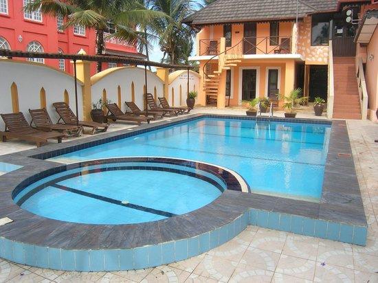 Arabian Nights Hotel: Swimming Pool
