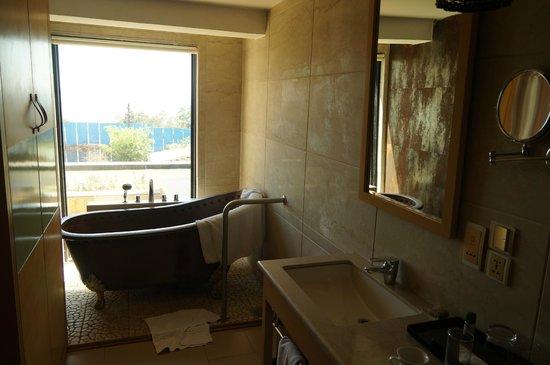 L'Hotel Eden: Brass Tub View