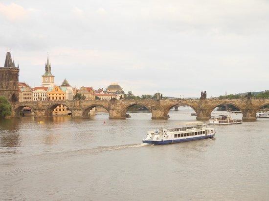 Discover Prague Tours: the river