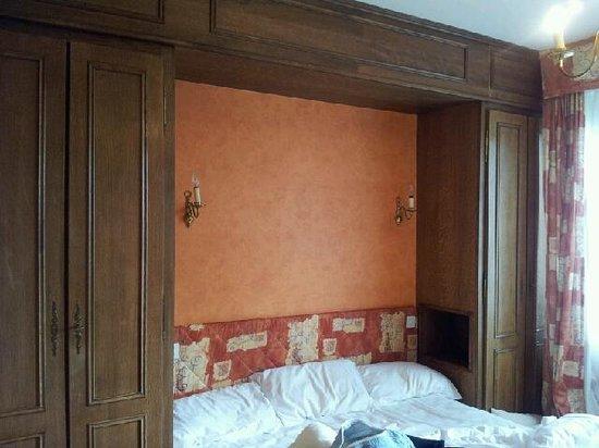 Hotel Armen Le Triton: chambre