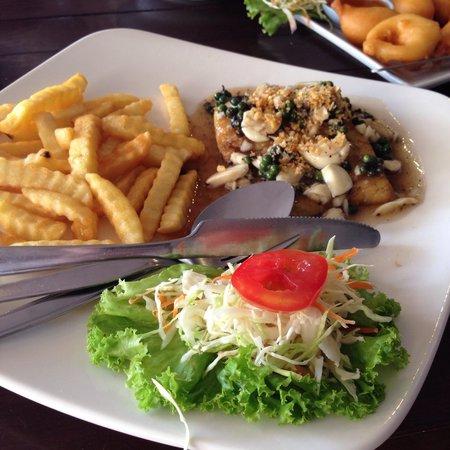 Massaman Restaurant & Bar: Баракуда